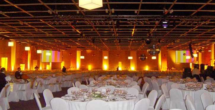 Green And White Wedding Decorations. Tables dressed in white with