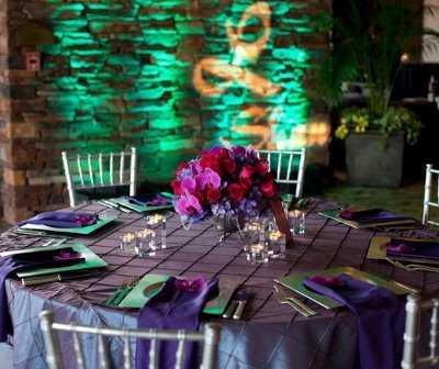 to decorate the tables of our banquet hall The Wedding Tables in Purple